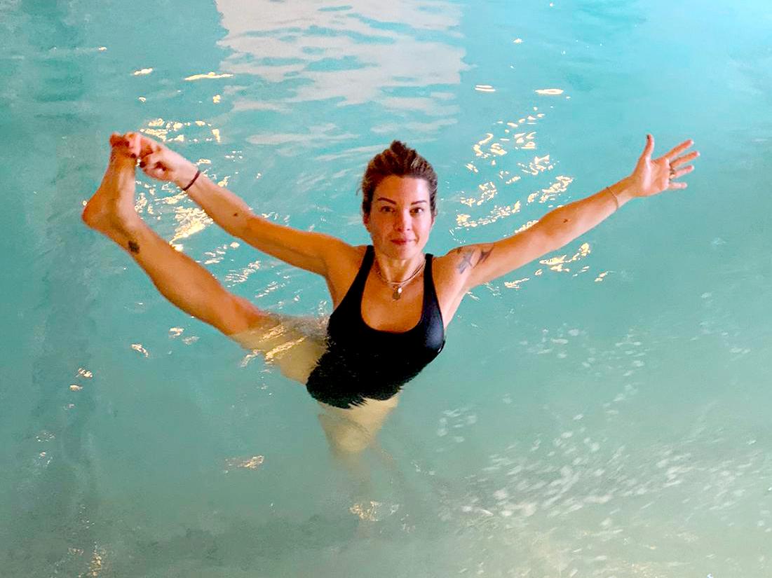 lucia yoga in acqua